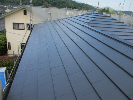 屋根:プレミアムルーフSi樹脂ラジカル塗料邸のAfter(施工後)の様子