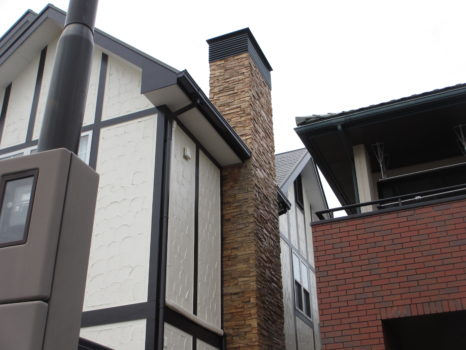 屋根・外壁・煙突部:プレミアム無機4フッ化フッ素樹脂クリアー仕上げ施工邸のAfter(施工後)の様子