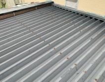 無機4フッ化フッ素樹脂ブラック・折板屋根仕様邸のBefore(施工前)の様子