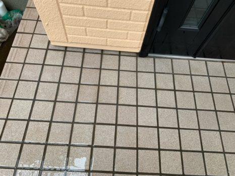 玄関タイル床面:専用薬剤洗い!邸のAfter(施工後)の様子