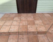 玄関タイル床面:薬剤洗い・保護ワックス!の写真